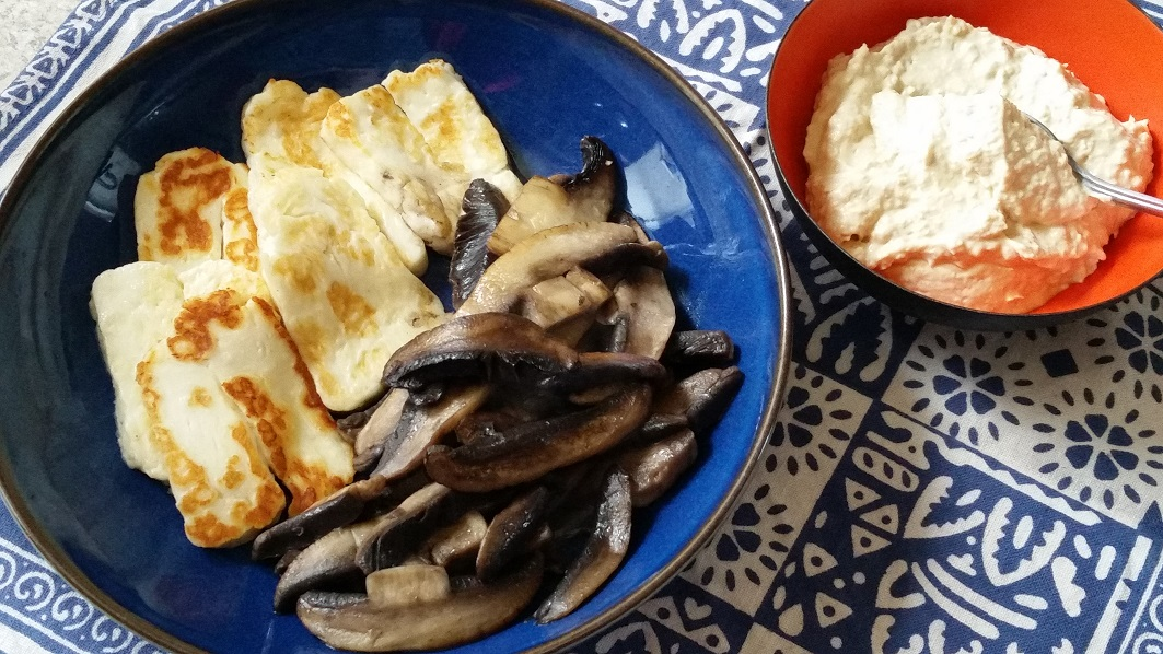 Mushroom, Houmous And Halloumi Pitta Pockets