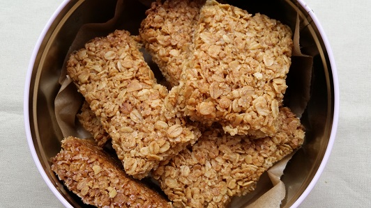 A batch of easy flapjacks