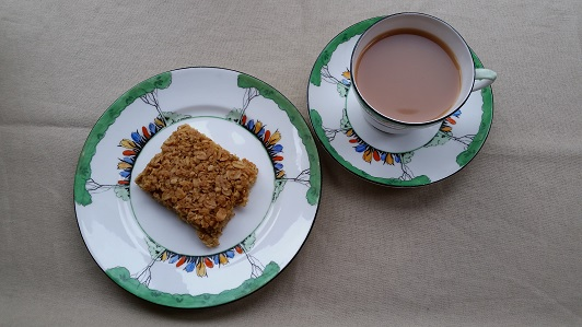 A cup of tea and lovely soft flapjack
